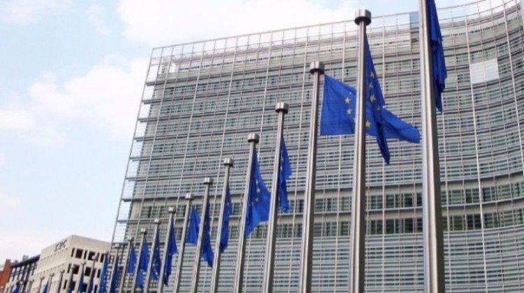 Covid-19: Voos e outras viagens não serão retomados ao mesmo tempo na UE